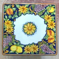 Tavolo quadrato in pietra lavica 80x80 cm. - Frutta e Girasoli